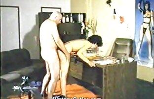 Ein porno, wo der Kerl reife geile nackte frauen Sahne Huhn