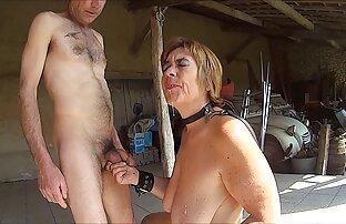 Blondine mit einer porno reife oma pussy vor der Kamera